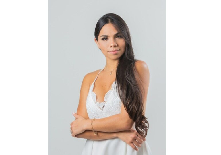 """Learn More About Rosangelica Medina Barroeta, The Venezuelan Author And Businesswoman Behind The Best Seller """"Beyond The Mirror"""""""